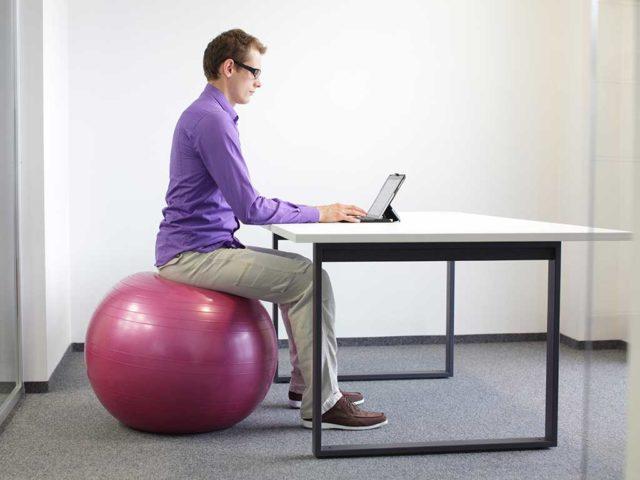 Sedie Da Ufficio Per Postura Corretta.La Postura Corretta Da Tenere In Ufficio Dormire Meglio